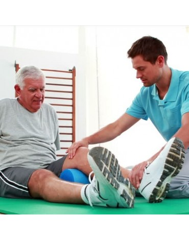 Senior adult physiotherapy