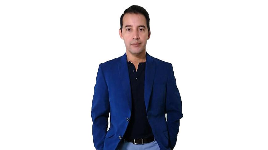 Dr. Victor Alvarado, Radiólogo